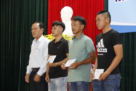 41 ngư dân Quảng Nam trở về từ cõi chết - Ảnh 4.
