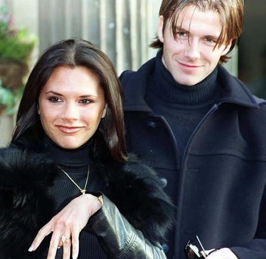 David Beckham cưới người mẫu Angela, bà Beck Victoria ngó lơ - Ảnh 10.