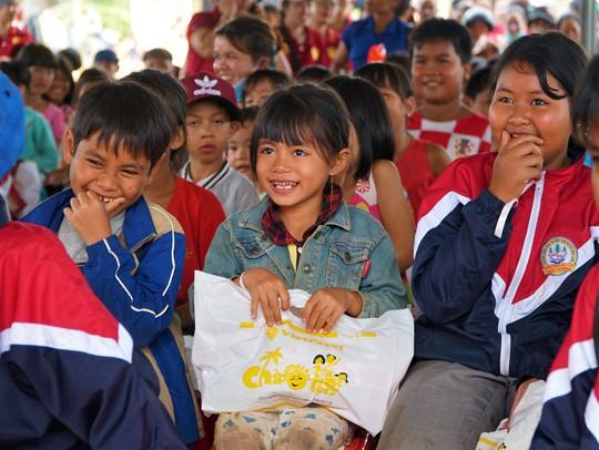 450 phần quà Trung thu đến với trẻ em nghèo xã Lộc Thành - Ảnh 2.