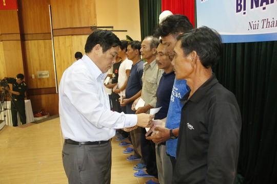 41 ngư dân Quảng Nam trở về từ cõi chết - Ảnh 3.
