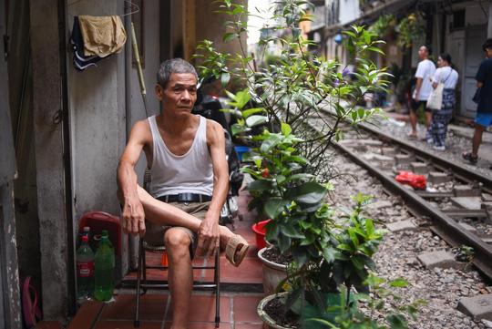 Một ngày ở xóm du lịch đặc biệt nhất Hà Nội - Ảnh 16.