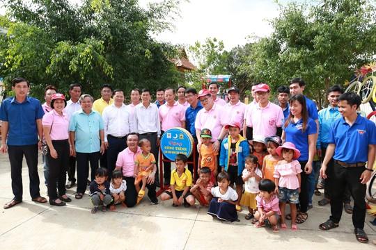 C.P. Việt Nam sẻ chia khó khăn với người dân bản làng Kà Nâu - Ảnh 5.