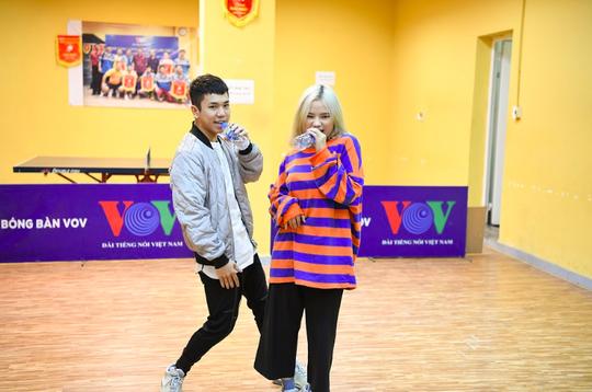 Thí sinh VOVs K-Pop Contest 2019 dựng lại bản hit của BTS - Ảnh 2.