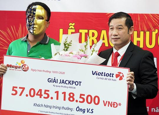 Trúng Vietlott 57 tỉ đồng, tài xế Grabike vẫn chạy xe ôm - Ảnh 1.