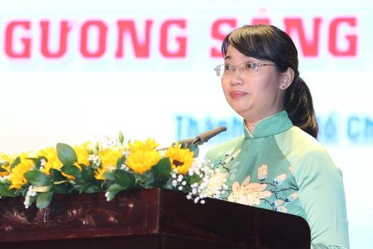 Tuyên dương 90 đảng viên là cán bộ Công đoàn cơ sở - Ảnh 2.