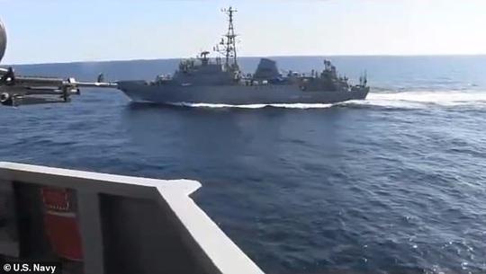 Mỹ - Nga tố tàu chiến của nhau tiếp cận hung hăng - Ảnh 2.