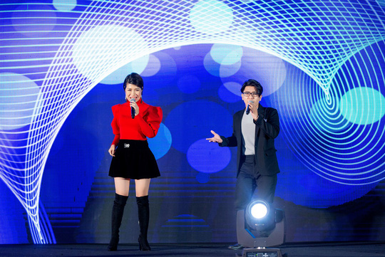 """Ca sỹ, MC Thi Thảo cùng học trò tham gia đêm nhạc """"Sing To Build"""" - Ảnh 3."""