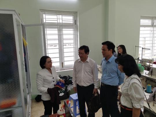 Trao hơn 100 suất học bổng và quà cho học sinh Trung tâm Võ Hồng Sơn - Ảnh 3.
