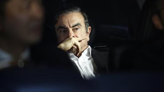 Chuyến bay tẩu thoát trị giá 350.000 USD của cựu CEO Nissan - Ảnh 1.