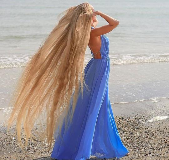 Bí quyết của cô gái nuôi tóc dài gần 2 m trong 30 năm - Ảnh 3.
