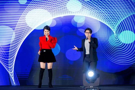 """Ca sĩ, MC Thi Thảo cùng học trò tham gia đêm nhạc """"Sing to build"""" - Ảnh 3."""