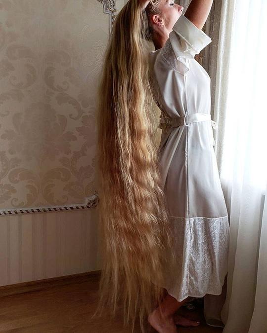 Bí quyết của cô gái nuôi tóc dài gần 2 m trong 30 năm - Ảnh 5.
