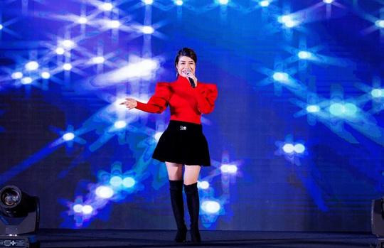 """Ca sĩ, MC Thi Thảo cùng học trò tham gia đêm nhạc """"Sing to build"""" - Ảnh 5."""