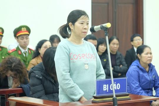 Xét xử vụ cháu bé Trường Gateway tử vong: Bà Nguyễn Bích Quy khai gì? - Ảnh 1.