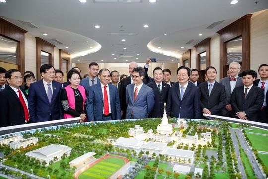 Khánh thành trường đại học ngàn tỉ có tham vọng trở thành trường hàng đầu thế giới - Ảnh 16.