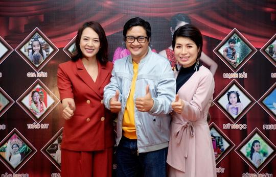 Các nghệ sĩ chúc mừng diễn giả, MC Thi Thảo - Ảnh 5.