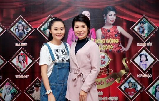 Các nghệ sĩ chúc mừng diễn giả, MC Thi Thảo - Ảnh 6.