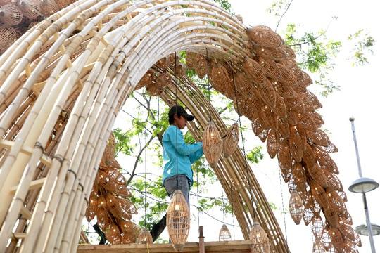 6 bông lúa siêu to tại Đường Xuân Phú Mỹ Hưng - Ảnh 3.