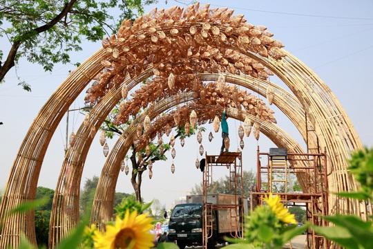 6 bông lúa siêu to tại Đường Xuân Phú Mỹ Hưng - Ảnh 4.