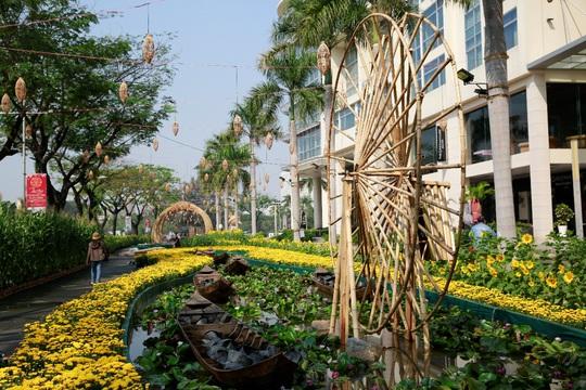 6 bông lúa siêu to tại Đường Xuân Phú Mỹ Hưng - Ảnh 6.