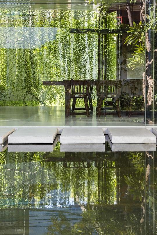 Nhà hộc kéo được bao phủ bởi 60% cây xanh và mặt nước - Ảnh 8.