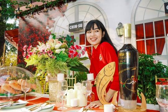Hot girl Mắt Biếc check-in với các siêu phẩm khổng lồ tại Góc Phố Xuân 2020 - Ảnh 4.