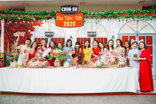 Hot girl Mắt Biếc check-in với các siêu phẩm khổng lồ tại Góc Phố Xuân 2020 - Ảnh 5.
