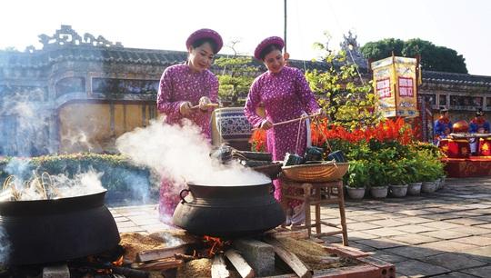 Vua quan triều Nguyễn ăn Tết như thế nào? - Ảnh 7.