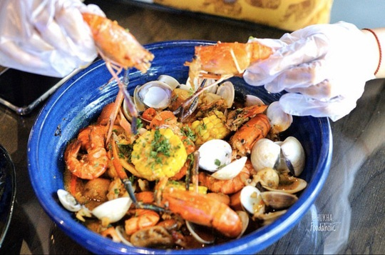 3 nhà hàng hải sản giá dưới 1 triệu đồng tại TP HCM - Ảnh 11.
