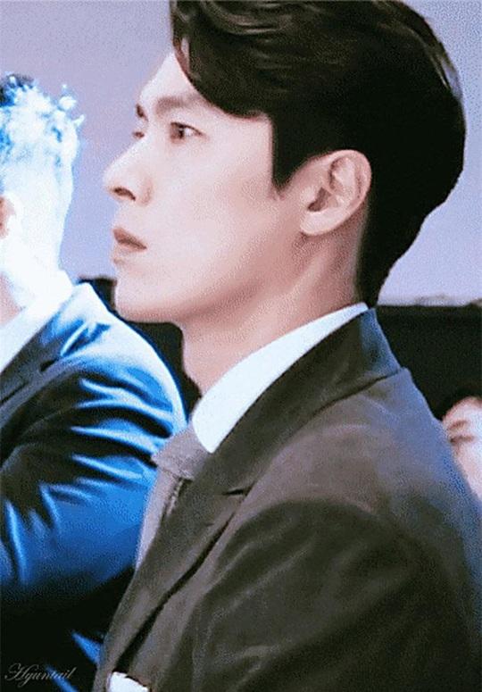 """""""Soái ca Triều Tiên"""" Hyun Bin gây bão mạng với góc nghiêng sắc lẹm - Ảnh 15."""