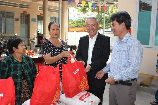 Vedan Việt Nam tặng 1.000 phần quà Tết cho người dân có hoàn cảnh khó khăn tại Đồng Nai - Ảnh 2.