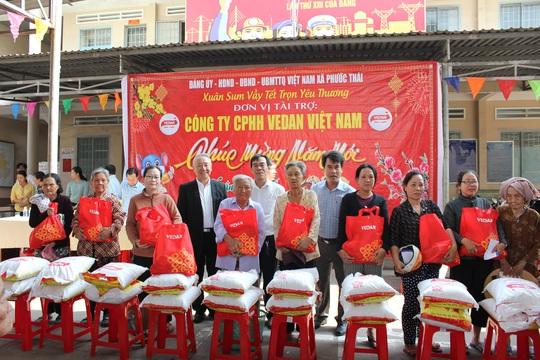 Vedan Việt Nam tặng 1.000 phần quà Tết cho người dân có hoàn cảnh khó khăn tại Đồng Nai - Ảnh 1.