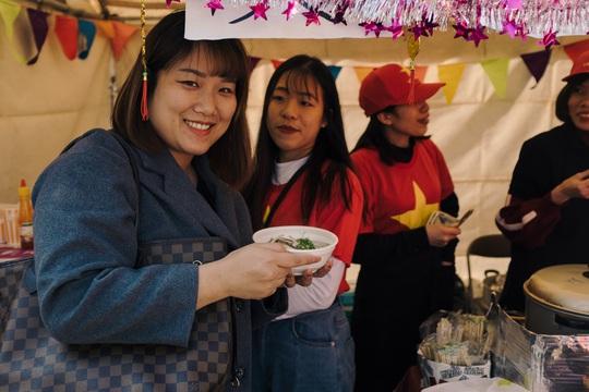Thành phố ở Nhật Bản rộn ràng đón Tết cổ truyền Việt Nam - Ảnh 7.