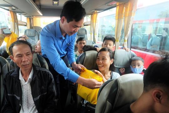 Đà Nẵng: Niềm vui 2.500 lao động trên Chuyến xe Công đoàn - Ảnh 2.