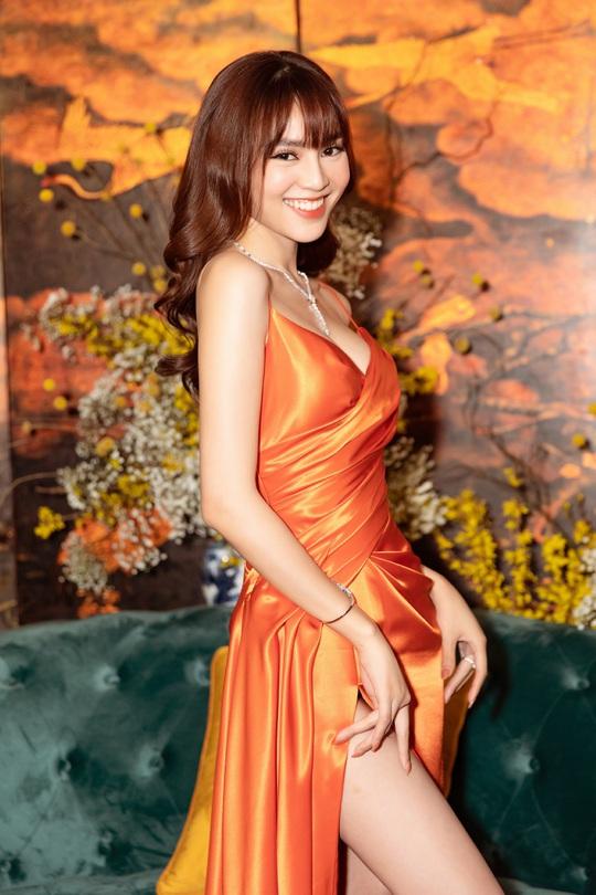 Ninh Dương Lan Ngọc, Cao Minh Đạt đón Tết bên gia đình - Ảnh 4.