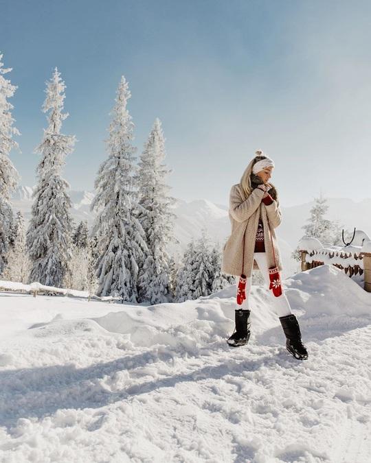 Mê cung tuyết rộng 2.500 m2 ở Ba Lan - Ảnh 11.
