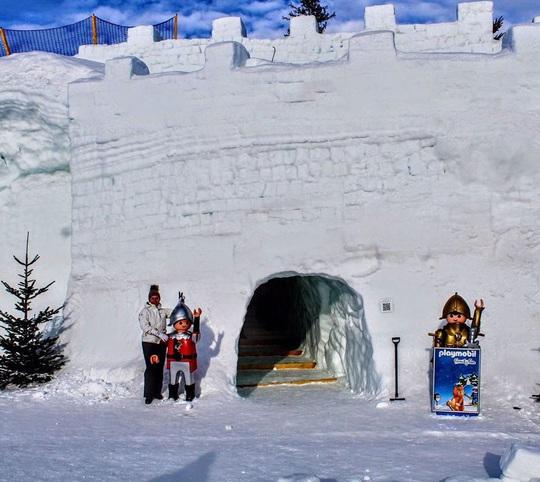 Mê cung tuyết rộng 2.500 m2 ở Ba Lan - Ảnh 5.