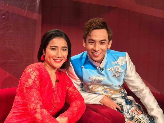 NSND Kim Cương soi chương trình đón năm mới của HTV - Ảnh 2.