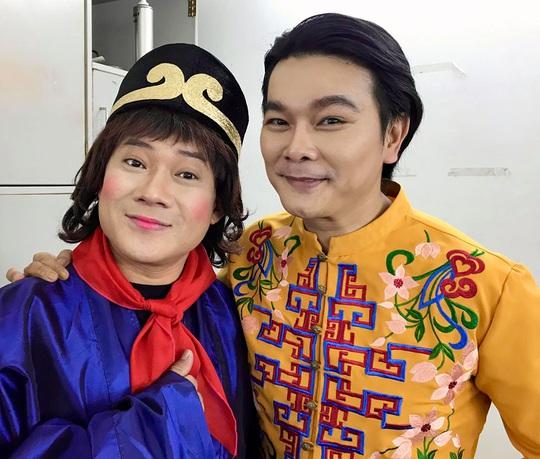 NSND Kim Cương soi chương trình đón năm mới của HTV - Ảnh 10.
