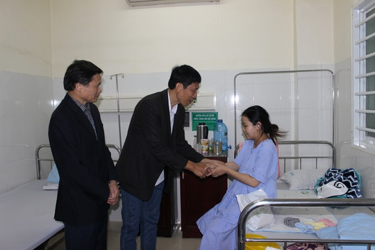 Những nụ cười đêm giao thừa tại bệnh viện Thiện Hạnh - Ảnh 2.