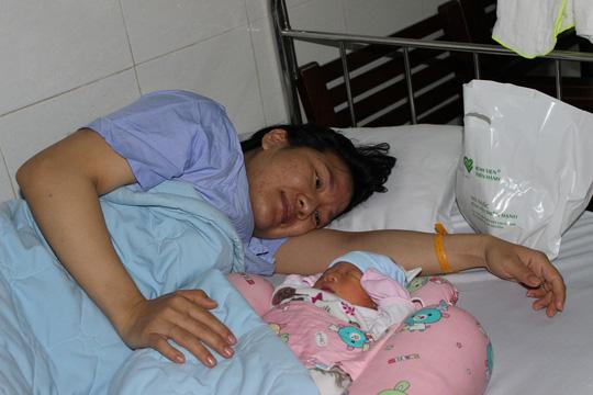 Những nụ cười đêm giao thừa tại bệnh viện Thiện Hạnh - Ảnh 6.