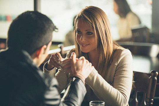 Chán chồng tận cổ vẫn không ly hôn vì sợ... mất tiền - Ảnh 1.