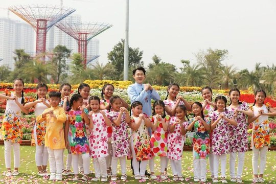 Dương Triệu Vũ bay khinh khí cầu đón Tết giữa TP HCM - Ảnh 7.