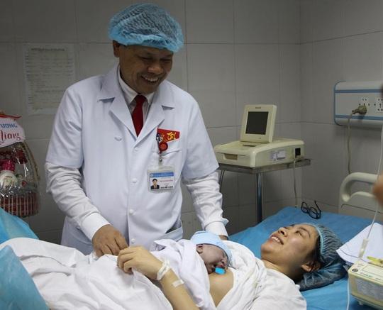 Công dân nhí nặng 3,5 kg xông đất Bệnh viện Phụ sản Trung ương - Ảnh 1.
