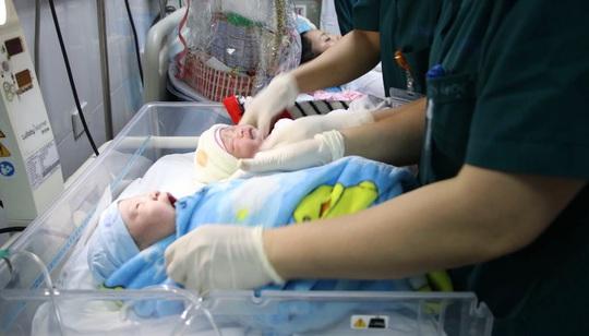 Công dân nhí nặng 3,5 kg xông đất Bệnh viện Phụ sản Trung ương - Ảnh 8.
