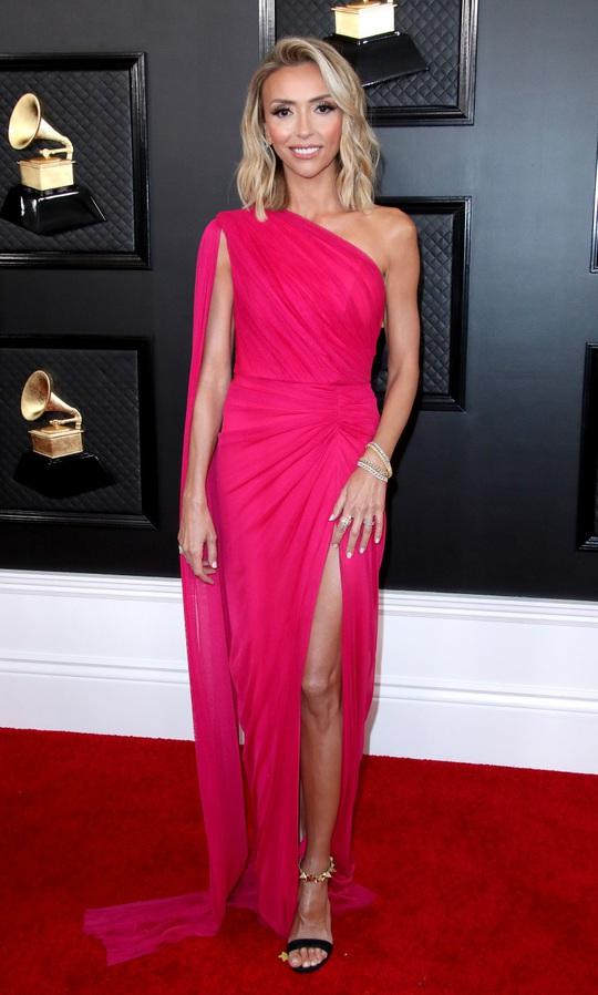 Phát chán với những bộ cánh trên thảm đỏ Grammy 2020 - Ảnh 13.