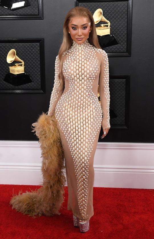 Phát chán với những bộ cánh trên thảm đỏ Grammy 2020 - Ảnh 15.
