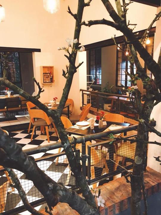 6 quán cà phê tụ tập ngày Tết ở Hà Nội - Ảnh 3.