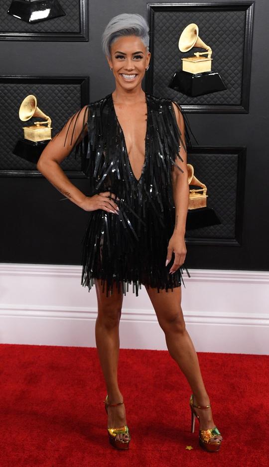 Phát chán với những bộ cánh trên thảm đỏ Grammy 2020 - Ảnh 7.