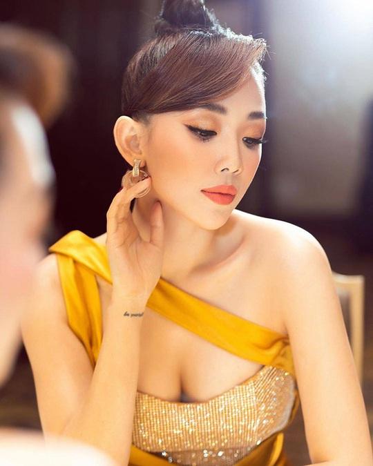 6 trào lưu làm đẹp nổi bật nhất năm 2019 của mỹ nhân Việt - Ảnh 8.